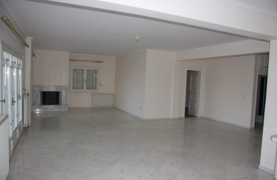 Διαμέρισμα, εντυπωσιακά ευρύχωρο, ρετιρέ, 2ου, στο Πανόραμα