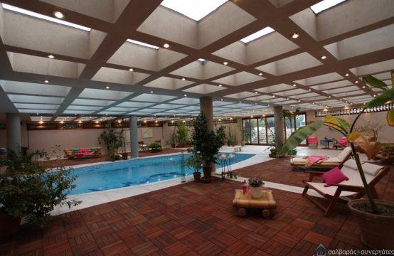 Μεζονέτα, με εσωτερική πισίνα και οικόπεδο 2.000 τ.μ.